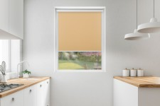 Roller blind in PVC cassette with a guide biszkoptowy 518