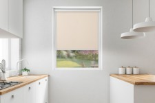 Roller blind in PVC cassette with a guide sezam 509