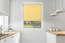 Roller blind in PVC cassette with a guide cytryna 513