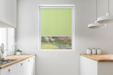 Roller blind in PVC cassette with a guide limonka 510