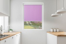 Roller blind in PVC cassette with a guide lila 521