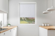 Blackout roller blind in PVC cassette with a guide biel 51